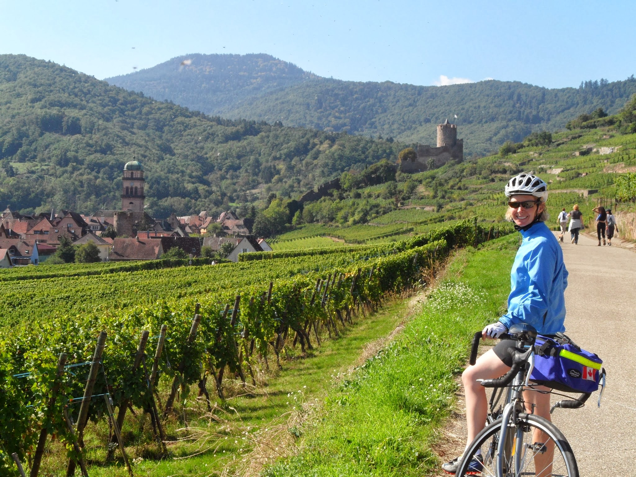 Cyclomundo rider on Route des Vins