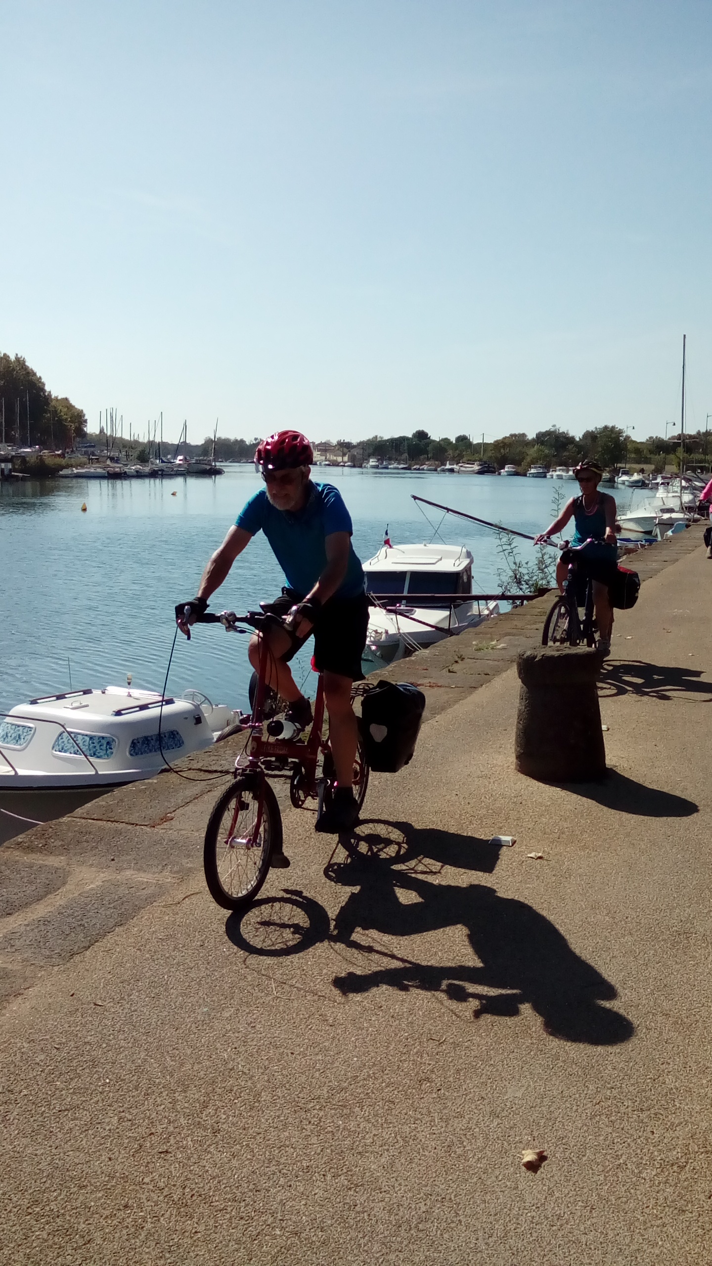 Cyclomundo bikers in Agde, France