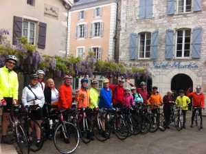 Group cycling in Dordogne, good food, good wine and no stress with the support vehicle for the riders