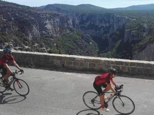 Group cycling in Provence, summiting Mont Ventoux!