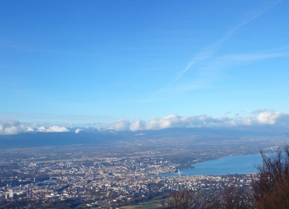 On this tour, you will enjoy breathtaking views over Lake Geneva