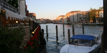 Cycle to Venice and take the tile to enjoy the city of love