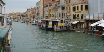 This cycling tour ends in Venice