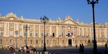 This cycling tour ends in Toulouse: