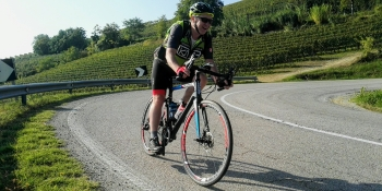 Cycle in the vineyards in the hills of Piedmont