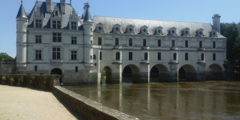 The Château de Chenonceau spanning the river Cher is a highlight of this bike tour