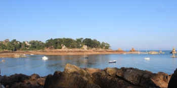 This bike tour takes cyclists along the beautiful pink granite coast from Perros Guirrec to Ploumanac'h