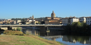 Cycle along the Florence Canal