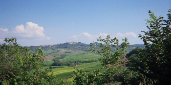 This cycling tour takes you through Tuscan countryside
