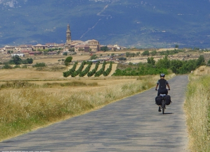 Biking on the quiet countryside roads in La Rioja