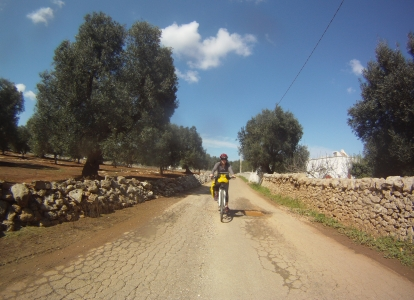 Ride through peacefull country roads in Apulia