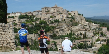 Sun-soaked hilltop villages of Provence: Gordes, Ménebres, Lourmarin, and Roussillon