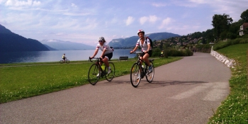 Riding by the lake du Bourget's shore on a traffic-free route