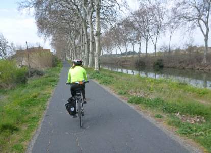 Cycling along the Canal du Midi is flat and traffic-free