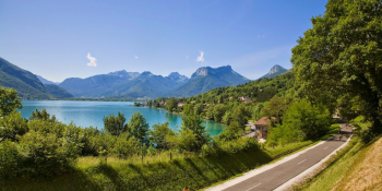 Riding on the bikeway along Lake Annecy